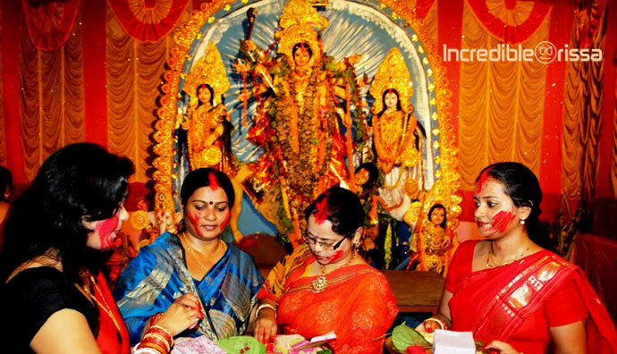 short essays on durga puja Your home teacher essays durga puja, goddess durga, goddess shakti (short essay) durga puja is the prestigious hindu festival that is celebrated ten days every.