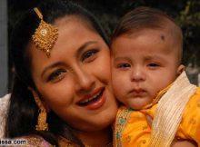 rachana banerjee with son photo