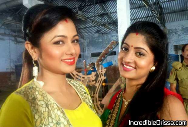 Archita Sahu and Lipsa Mishra shooting photo