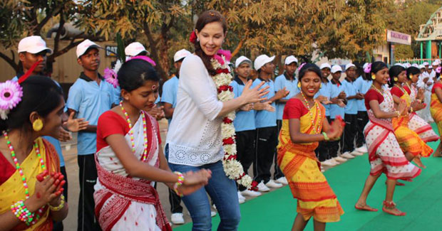 Ashley Judd rangabati dance in Odisha