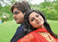 Babushan and Jhilik in Sarthak Film